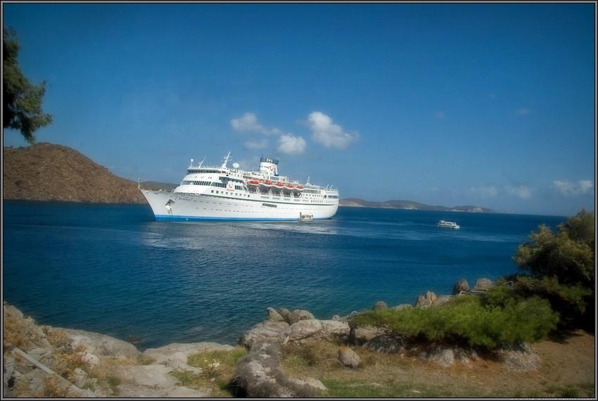 свежие вакансии на белом-белом пароходе стоял белый-белый капитан чему снится авария